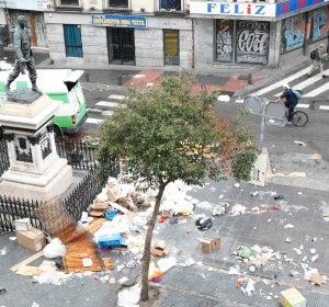La basura gana terreno en las calles de Madrid (07-11-2013)