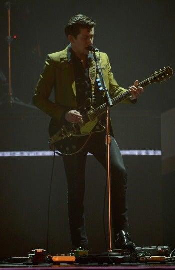 Alex Turner durante su actuación