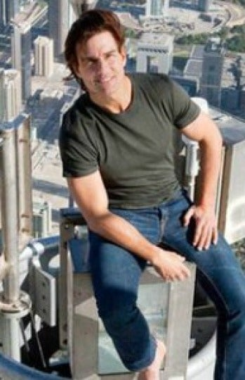 Tom Cruise subido a la Burj Khalifa Tower