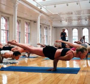 Clase intermedia de Yoga
