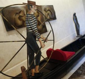 Góndola veneciana utilizada en una obra representada en el Teatro Real
