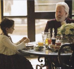 La nieta de Snow con trenza a lo Katniss