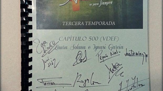 El guión del capítulo 500 firmado por los actores