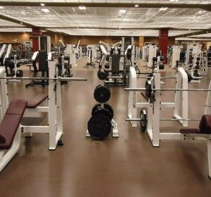 El aire que respiras en el gimnasio podría estar contaminado