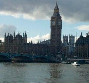 Casas del Parlamento vistas desde el Tamesis