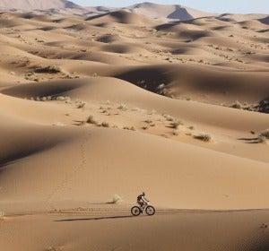 Milton Ramos en su travesía por la Titan Desert
