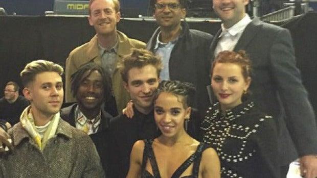Rob junto a FKA en la fiesta de los Brit Awards 2015