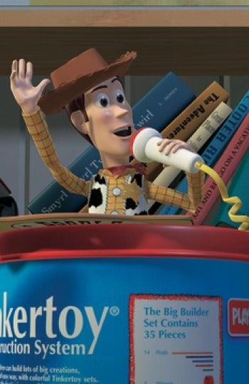 John Lasseter es uno de los cineastas que aparecen como autores de los libros de la habitación de Andy