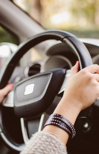 Cómo viajar más barato y ahorrar en el alquiler del coche