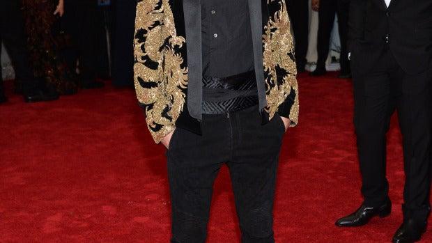 Justin Bieber se colocó una original chaqueta con dragones
