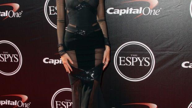 Kendall Jenner estaba guapísima con este modelo negro de transparencias