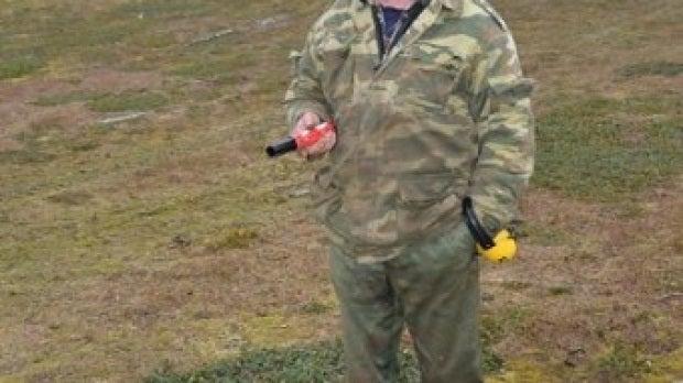 Uno de los empleados de la estación meteorológica