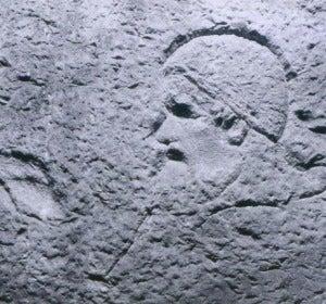 Papa tallado en la Fontana de Trevi