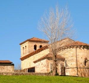 Iglesia románica del valle de Cayón (Cantabria)