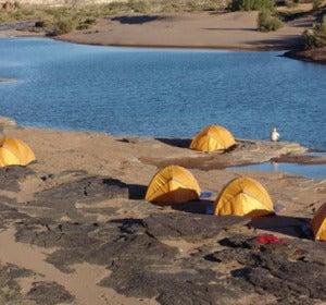 Acampada junto a uno de los pocos ríos de Namibia