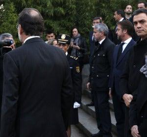 Rajoy y Sánchez coinciden en el funeral tras el cara a cara
