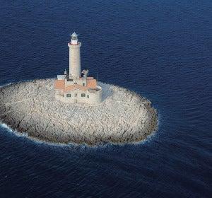 Faro de Porer (Croacia)