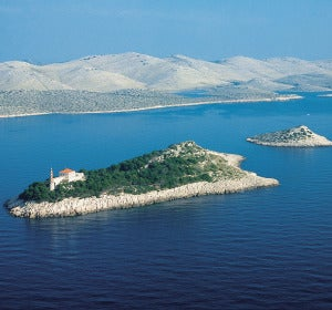 Faro de la isla de Tajer (Croacia)