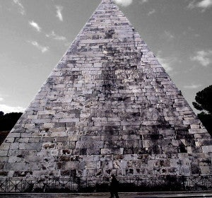 Cestia, la pirámide egipcia de Roma