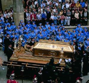 Tambores y procesión en Alcañiz