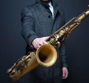 Va, prueba con el saxofón