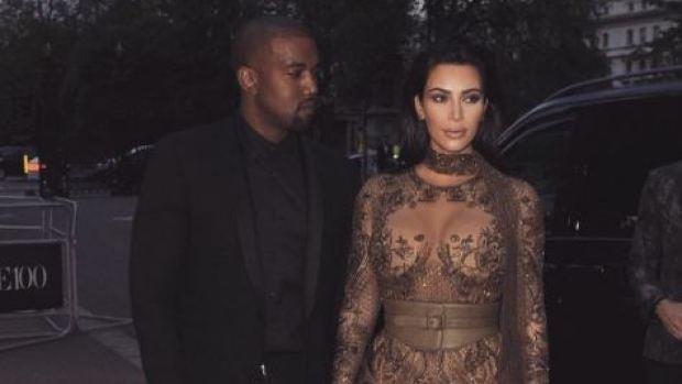 Kim Kardashian y Kanye West en la fiesta de Vogue