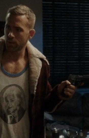 Deadpool con su camiseta de Bea Arthur