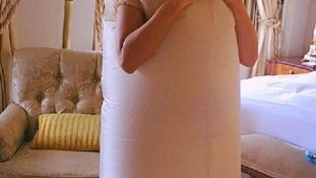 Kate Beckinsale disfrazada de pene