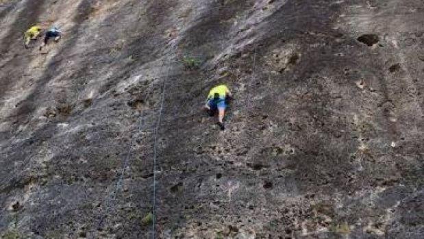 David Bisbal escalando