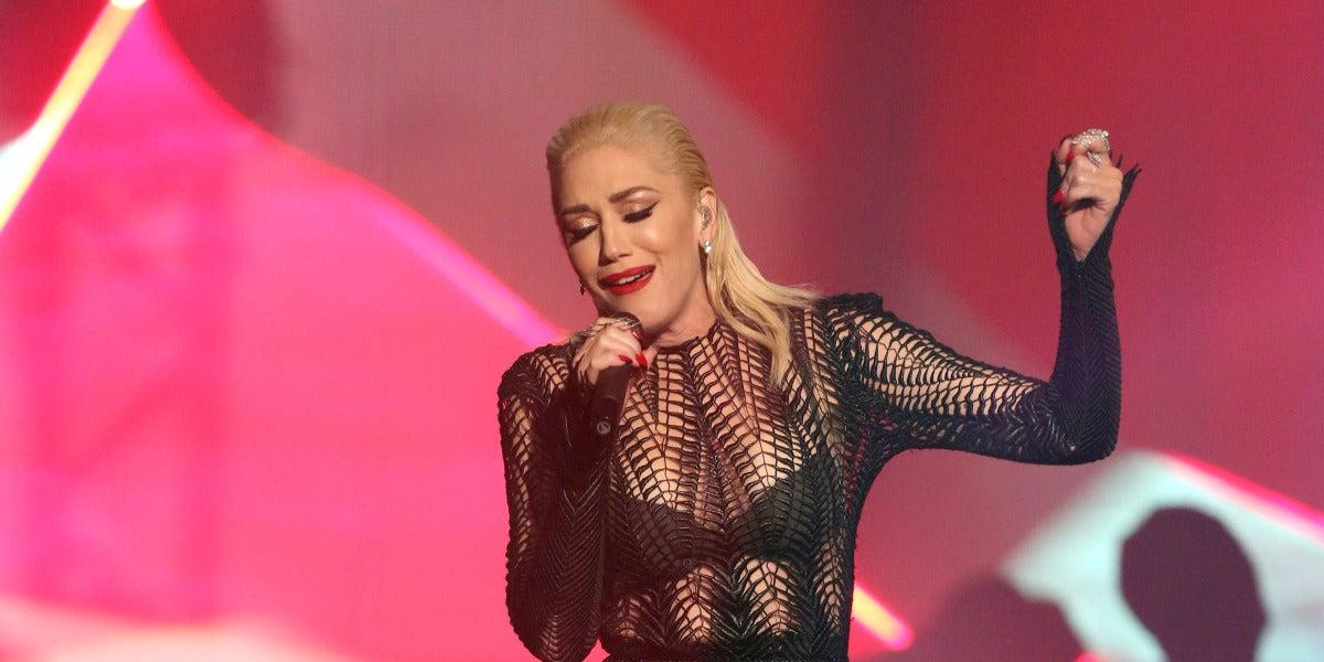 Gwen Stefani con un vestido lleno de transparencias