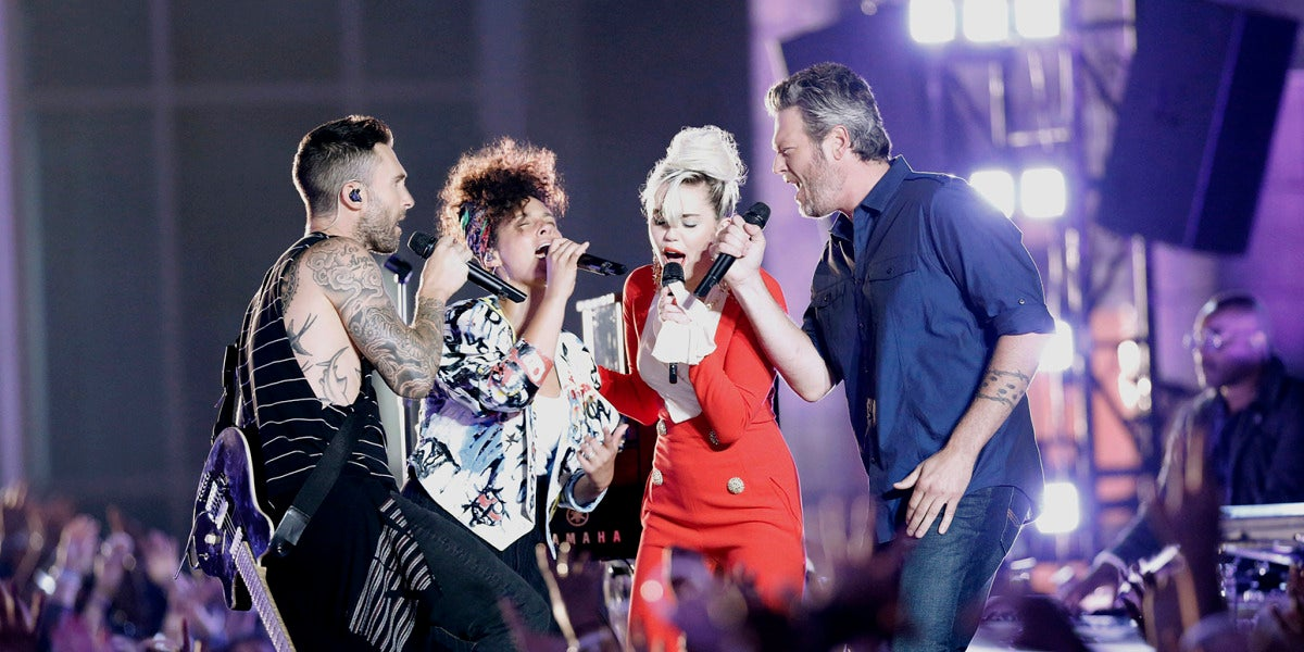 Adam Levine, Alicia Keys, Miley Cyrus y Blake Shelton cantan juntos 'Dream On' de Aerosmith
