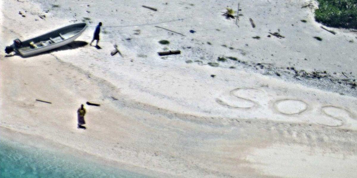 Una pareja escribió SOS para ser rescatados