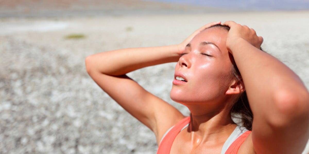 Mujer sudando