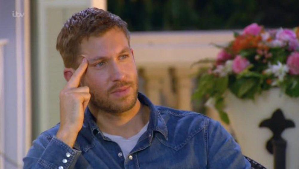 Calvin Harris intentando contener las lágrimas durante la audición