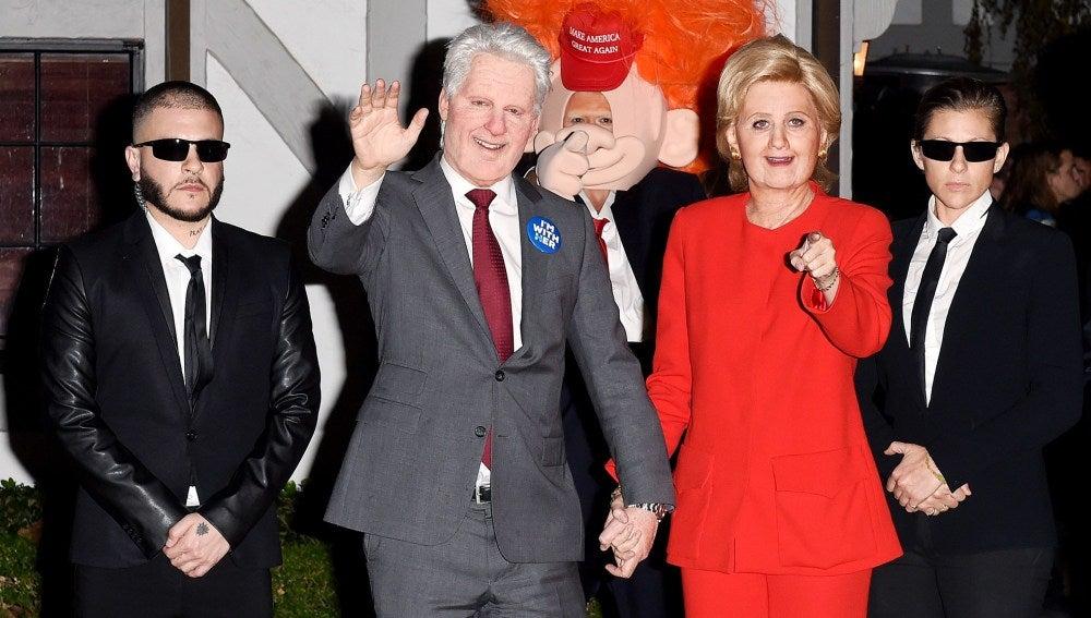 Katy Perry y Orlando Bloom, caraterizados como Hillary Clinton y Donald Trump