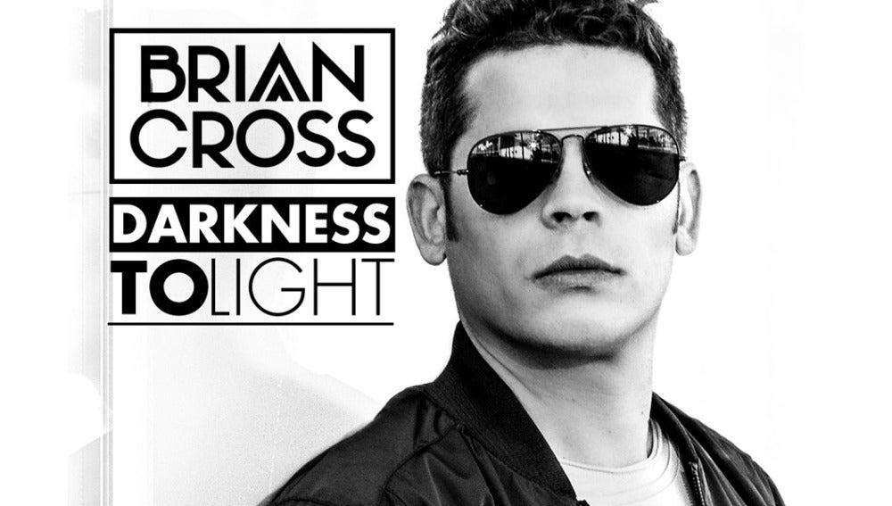 'Darkness to light', segundo álbum de Brian Cross