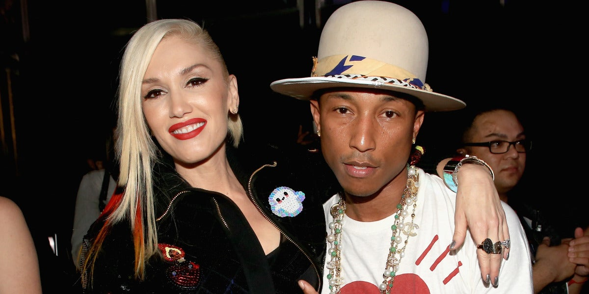 Gwen Stefani y Pharrel Williams tras una actuación