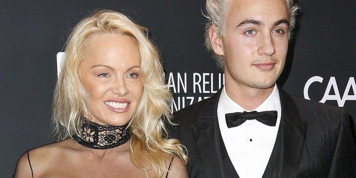 Pamela Anderson junto a su hijo