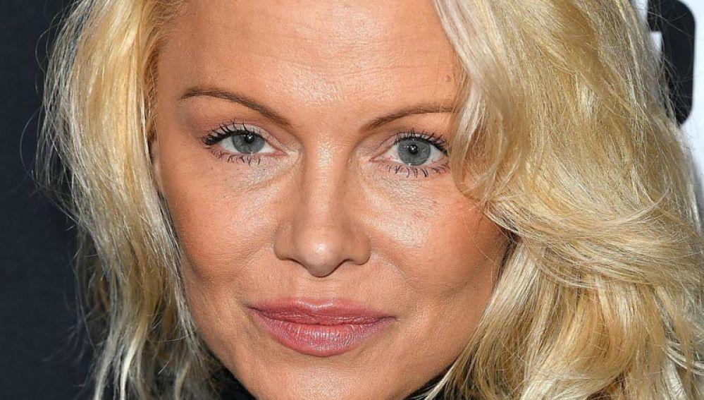 Pamela Anderson aparece irreconocible