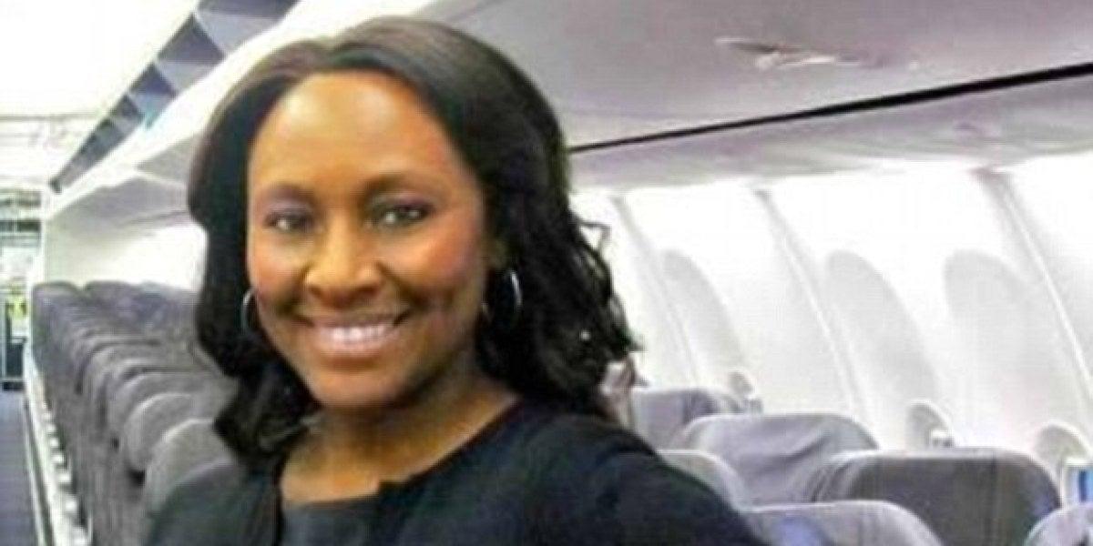 La auxiliar de vuelo Shelia Fedrick
