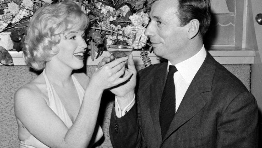 Marilyn Monroe junto a Yves Montand