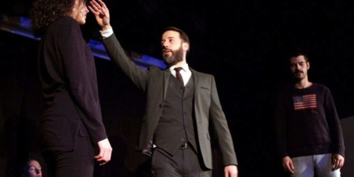 El mentalista Pablo Raijenstein durante uno de sus espectáculos.