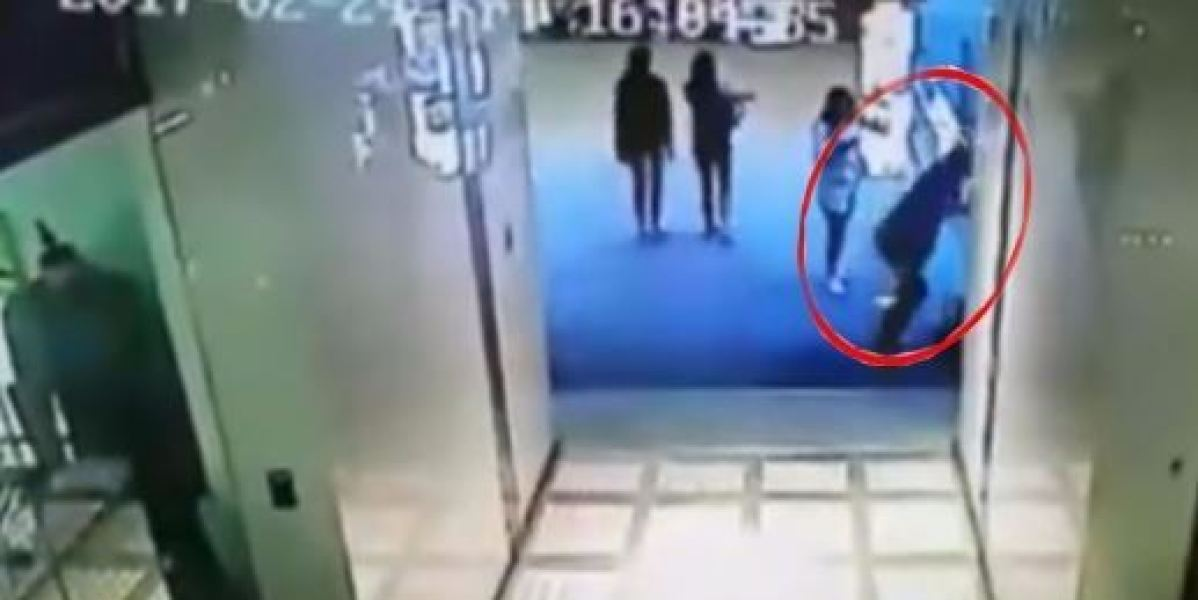 Jonathan Chow muere tras saltar desde una cuarta planta