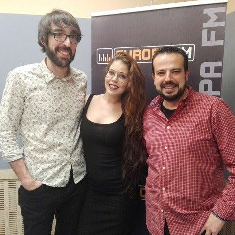 Samantha Betés con Quique Peinado y Kiko Béjar en Europlay