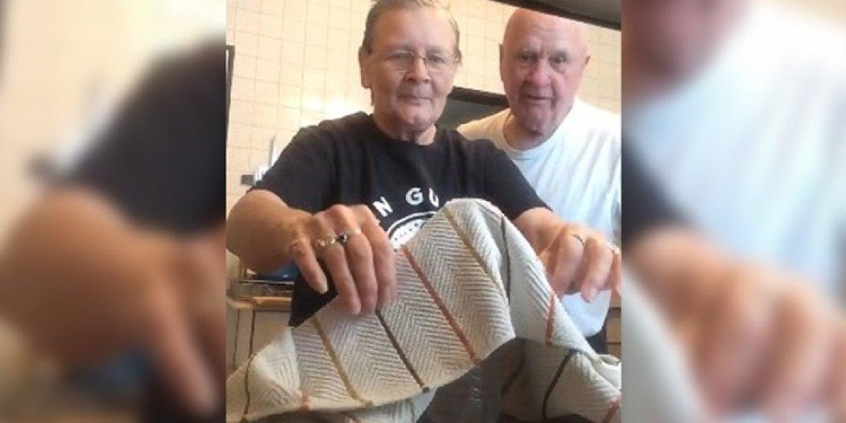La abuela Marietta Spencer le gasta una broma a su marido