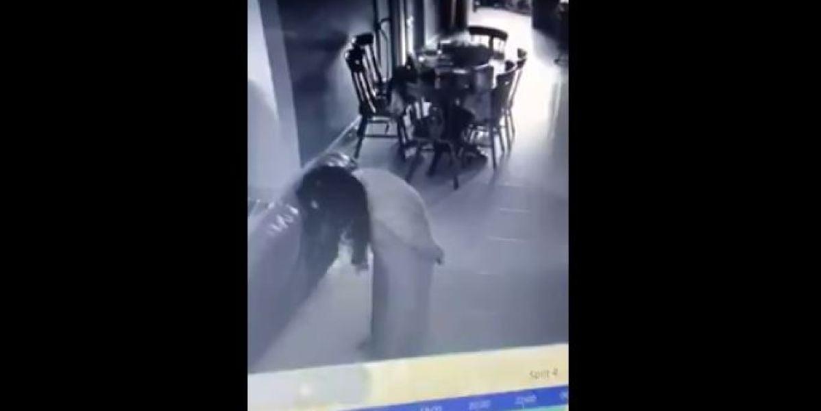 Las cámaras de seguridad graban la posesión demoníaca de una empleada del hogar
