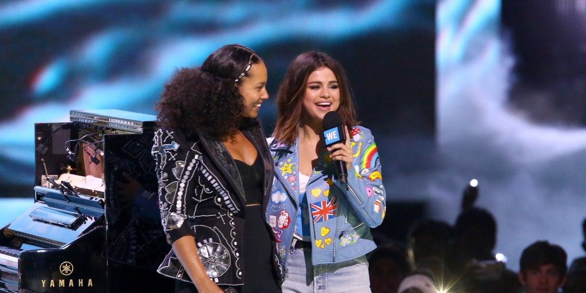 Selena Gomez y Alicia Keys en el evento We Day