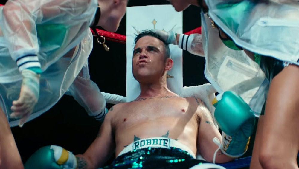 Robbie Williams en su último videoclip