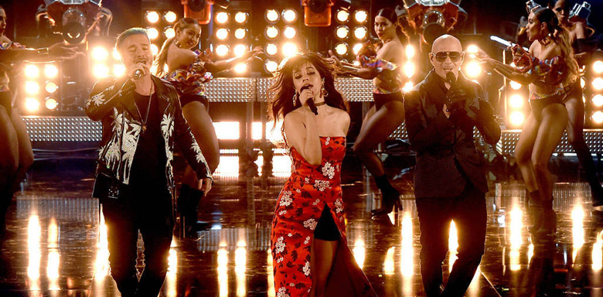 Camila Cabello, Pitbull y J Balvin en los MTV Movie and TV Awards 2017