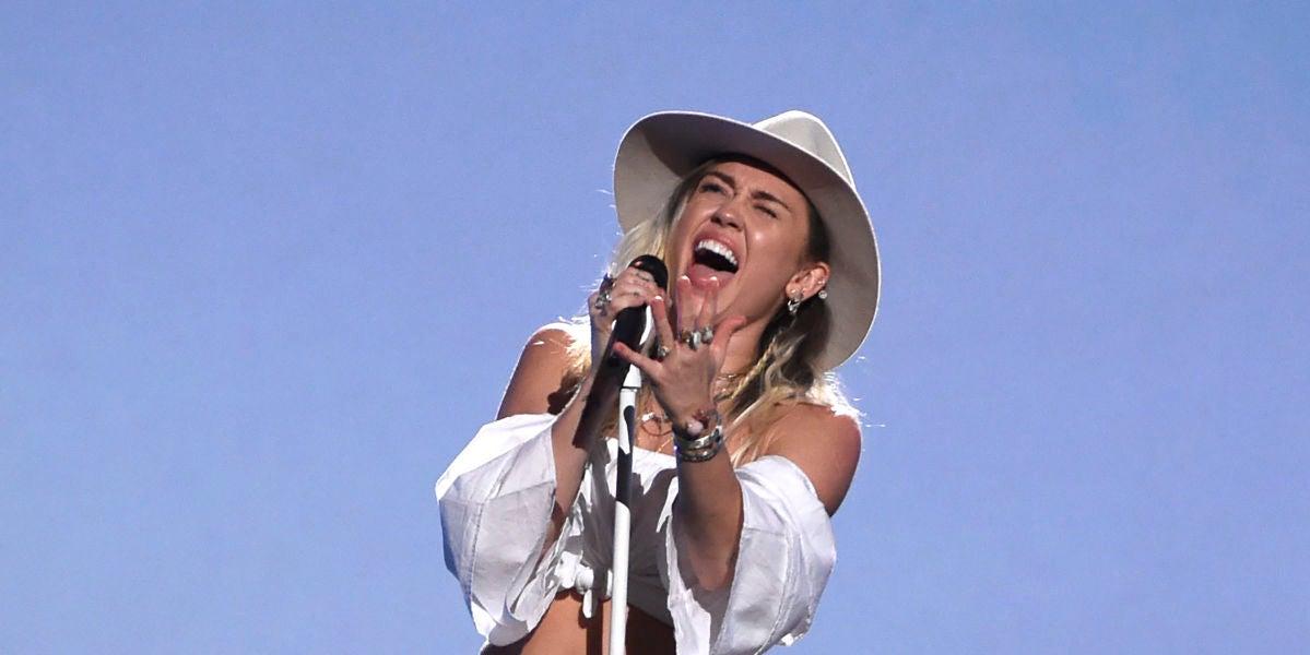 Miley Cyrus durante los Billboards 2017